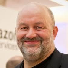 アマゾンのクラウドコンピューティング事業に大きな影響を与える、ワーナー・ハンズ・ピーター・ヴォゲルスがアマゾンに入社