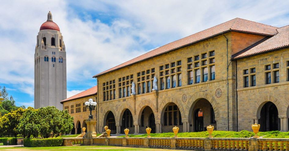 Googleの共同創業者ラリーペイジとセルゲイブリンが、スタンフォード大学で出会う。